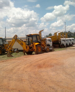 Excavators, Dozers, Front end loaders, graders &TLBs for hire