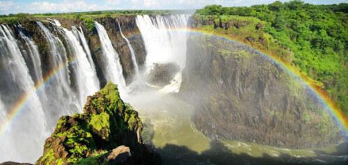 why-visit-zimbabwe-590